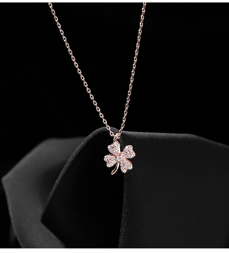 New lucky four-leaf clover necklace female clavicle chain niche design simple temperament ins