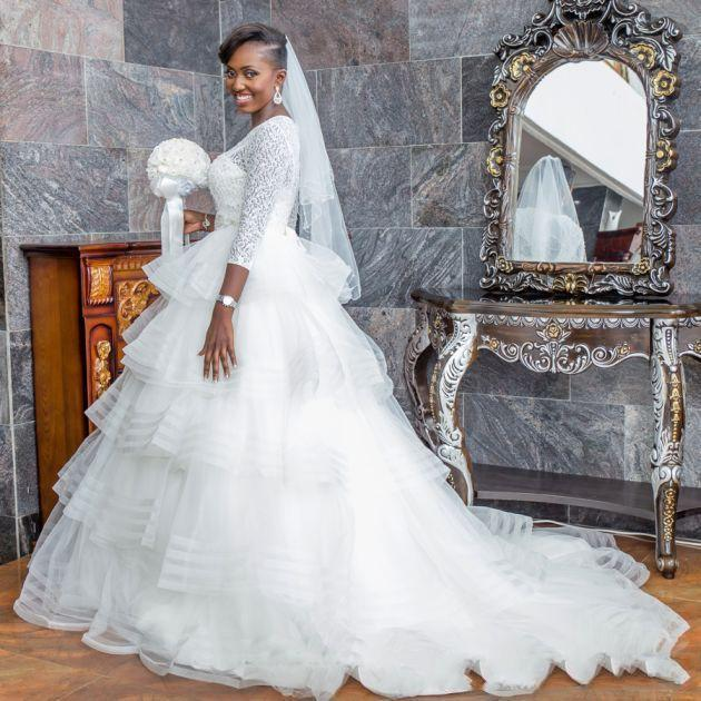 2020 elegant a line wedding dresses illusion v neck appliques sweep train bridal gowns with beaded sash custom made Long Sleeve African Wedding Dresses Beaded Band A-Line Scoop Neck Sweep Train Abendkleid Bridal Gowns Custom Made