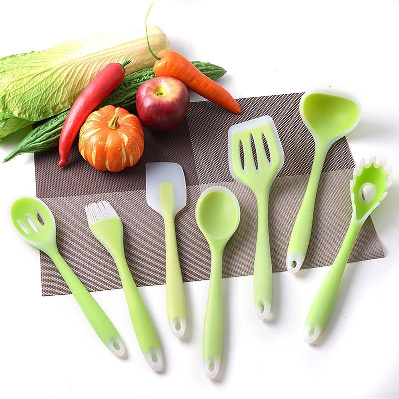7 قطعة/المجموعة/مجموعة أدوات مطبخ من السيليكون غير لاصقة للحرارة خضراء مجموعة أدوات خبز للطبخ ملعقة ، ملعقة ، فرشاة ، ويسك ، تونغ