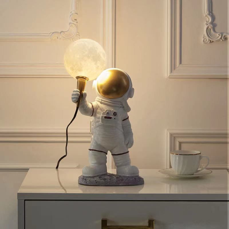 Astronaut Moon Wall Light Creative Space Table Lamp Resin Art Craft Decoration Statue Astronaut 3D Moon Night Light Home Decor