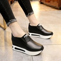 c73 Fashion Shoes Woman Sneakers Spring Autumn Women Pu Flat Thick Bottom Shoes Slip on Boots Casual Platform Increase Within Sh