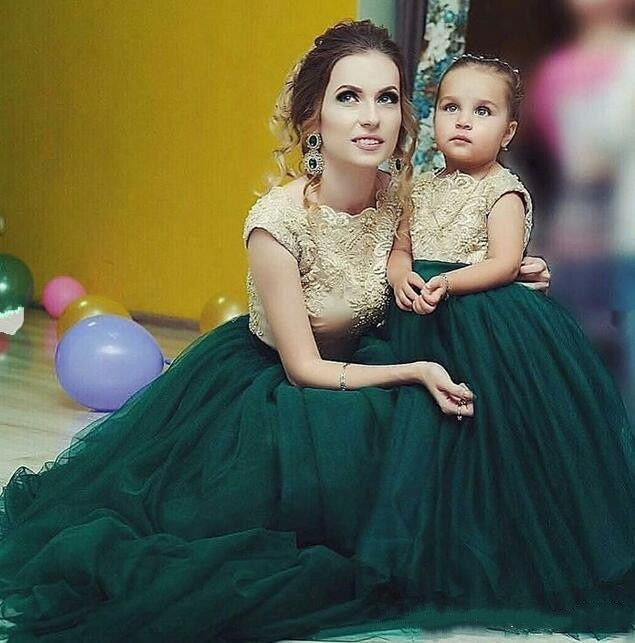 Green Puffy tulle lace Mother  Daughter Dresses jewel Neck Little Girls Ball Gowns Backless long Kids Birthday Party Dress
