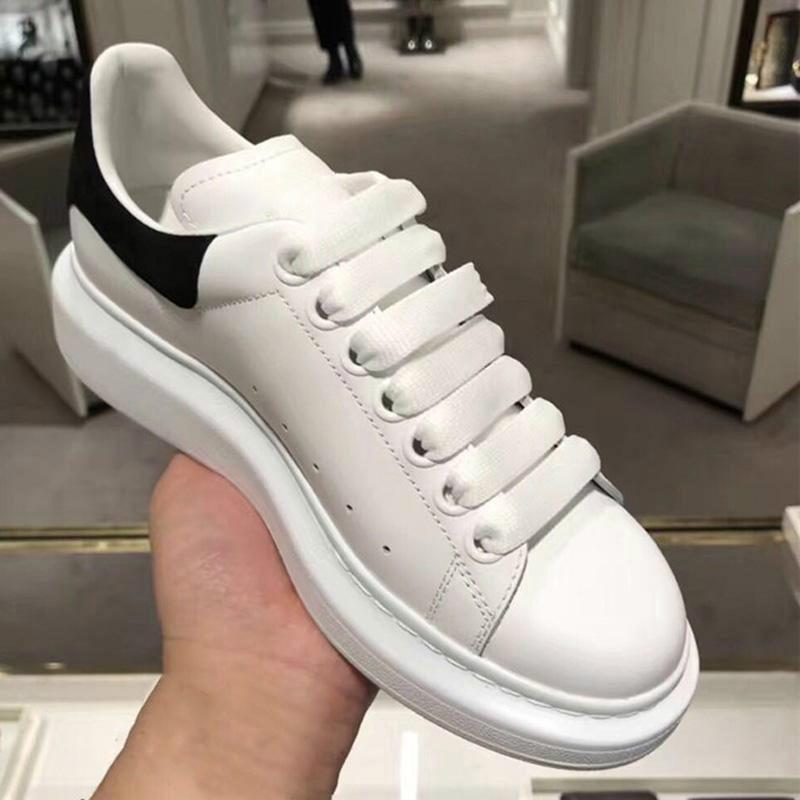 زائد حجم 44 الرجال الأسود عارضة أحذية المرأة شقة الأبيض أحذية رياضية Zapatos دي هومبر مع مربع الأحذية أحذية للنساء أحذية رياضية