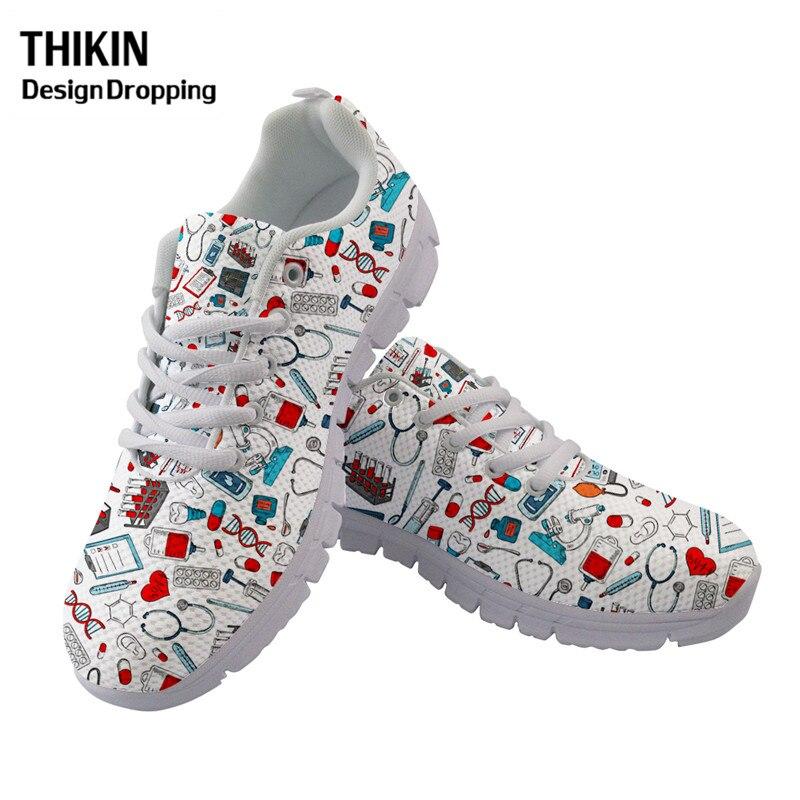 THIKIN 2020 nuevo patrón de enfermera mujeres pisos zapatos deportivos casuales pastillas de dibujos animados impreso de las mujeres zapatillas blancas zapatos de correr de plataforma
