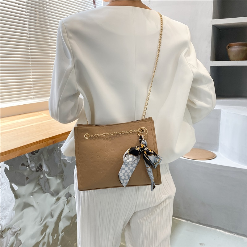 QIAOSANSAN Women's Bags, New Cartoon Impression, Designer Trend Chain One Shoulder Diagonal Simple