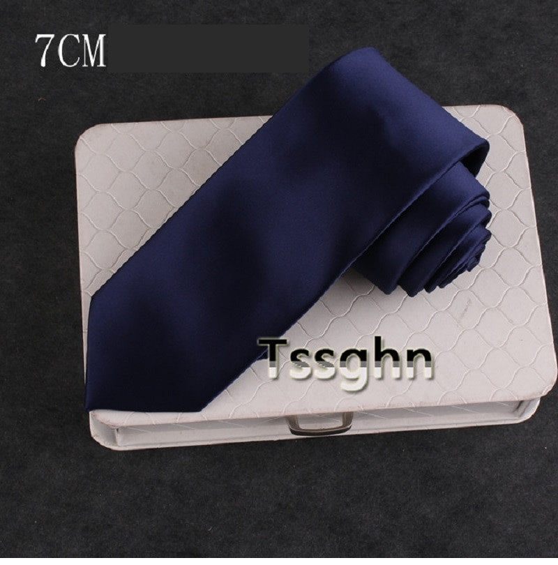 High Quality 2020 New Designers Brand Fashion Work Formal Suit 7cm Tie for Men Navy Blue Necktie Wedding Banquet with Gift Box