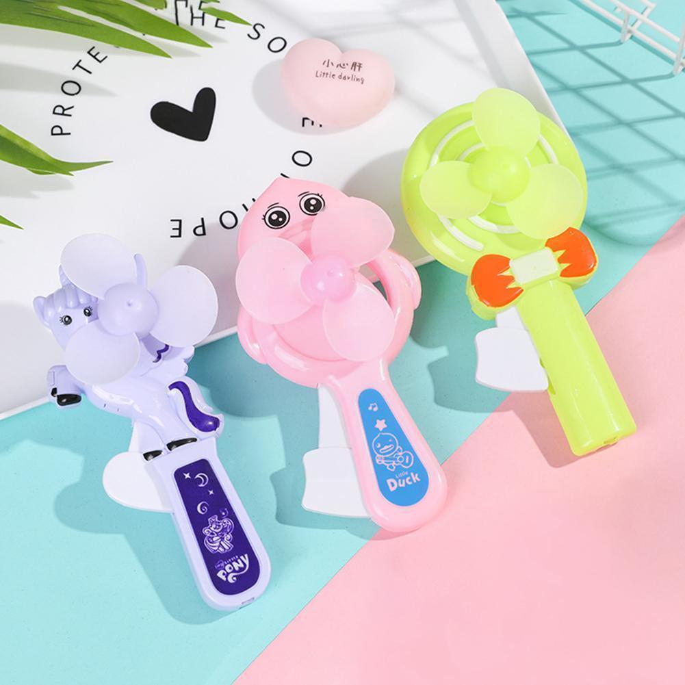 Крутая летняя мультяшная Ручная работа для детей маленькая ручная портативная мини-Фиксация интересные игрушки детские подарки вентилято...