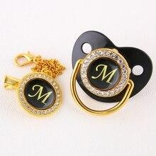 Luksusowy czarny Bling smoczek dla niemowląt i klip litera alfabetu M smoczek dla niemowląt złota litera unikalne 26 nazwa inicjały prezent na Baby Shower
