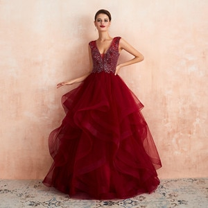 Illusion Burgundy Tulle Long Evening Dress Lace Appliques Ball Gown Evening Dress V Neck Sleeveless Formal Dress Party Gowns