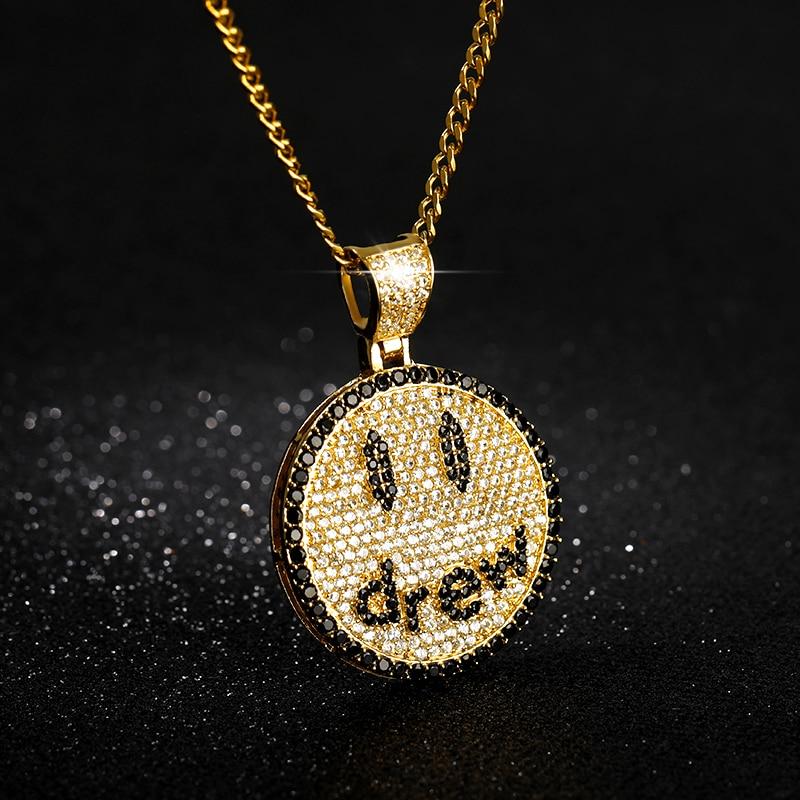 Nova chegada dainty micro pave zircon amantes colar presentes bff hip hop jóias desenhados rosto sorridente pingente colar para homens