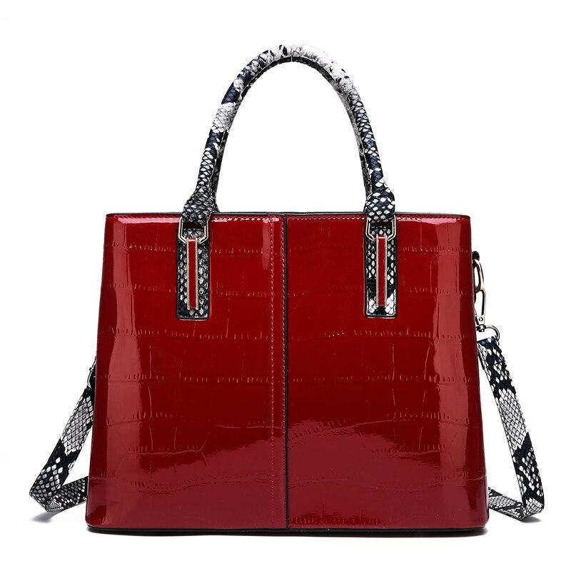 حقيبة يد زفاف حمراء للنساء ، حقيبة حمل ، حقيبة كتف ، ماركات مشهورة ، أزياء ، شتاء 2021