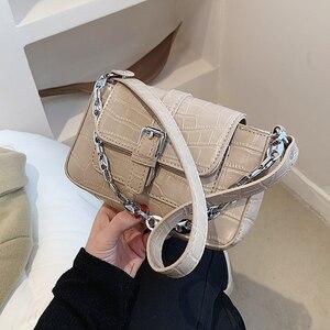 Niche Design Girl Bag 2021 New Fashion High-quality Messenger Bag Shoulder Bag Underarm Bag Square Bag Dual-use Bag Width: 21cm