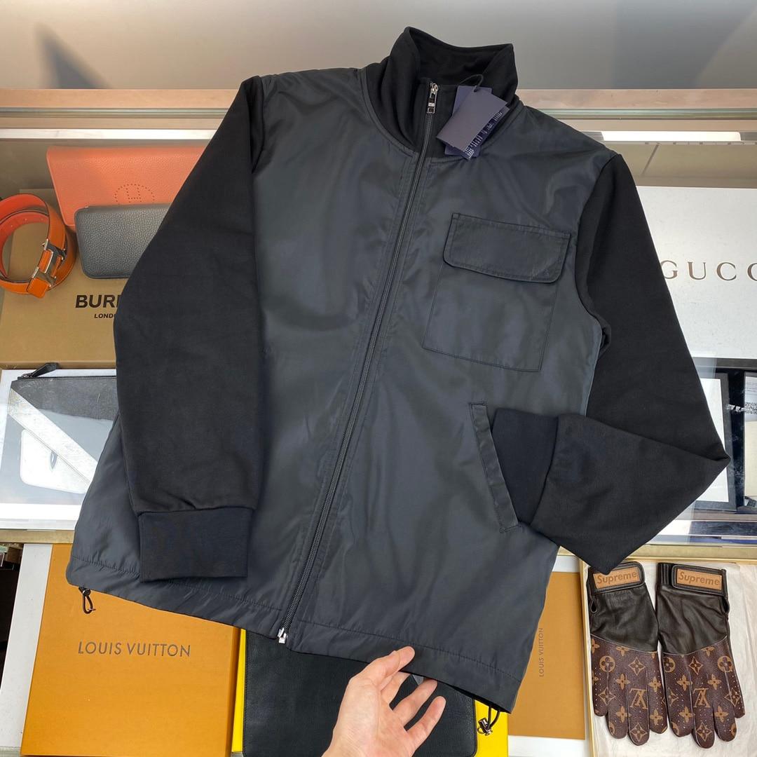 Мужская непродуваемая куртка на молнии с воротником-стойкой