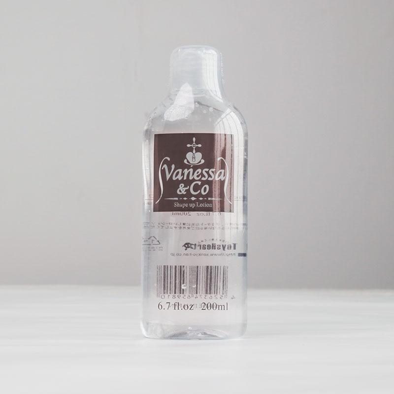 Взрослые мужчины и женщины мужчины могут использовать смазочную жидкость, водорастворимое смазочное вещество для человеческого тела, жидк...