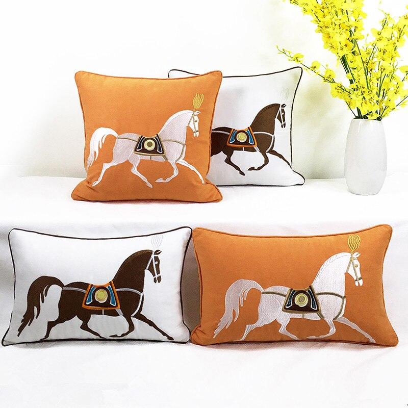وسادة على الطراز الأمريكي لغرفة المعيشة ، تطريز يدوي على شكل حصان ، أريكة سيارة ، أريكة ، إكسسوارات ديكور للمنزل الحديث
