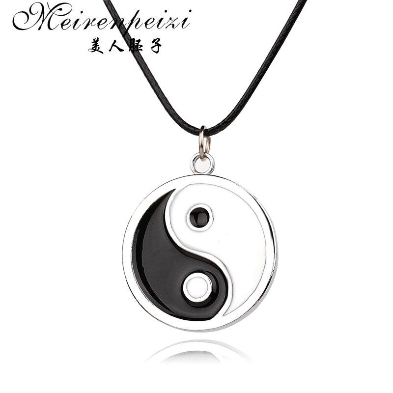 Collar de Anime japonés Bagua Taiji, collar de abalorios de símbolos de aleación Yinyang, pendientes de bisutería, Gargantilla al por mayor para amigos