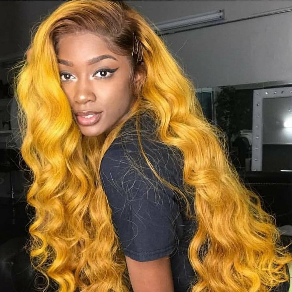 Pelucas de cabello humano Ombre T4 frontal de encaje 13x4, color amarillo, pelo Remy brasileño, peluca ondulada de cuerpo largo pre-arrancada, nudos blanqueados en parte