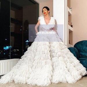 Elegant Ivory V-Neck Evening Dress Ball Gown Sleeveless Floor-Length Prom Dress Formal Dress Luxury Celebrity Dress 2020 Dubai