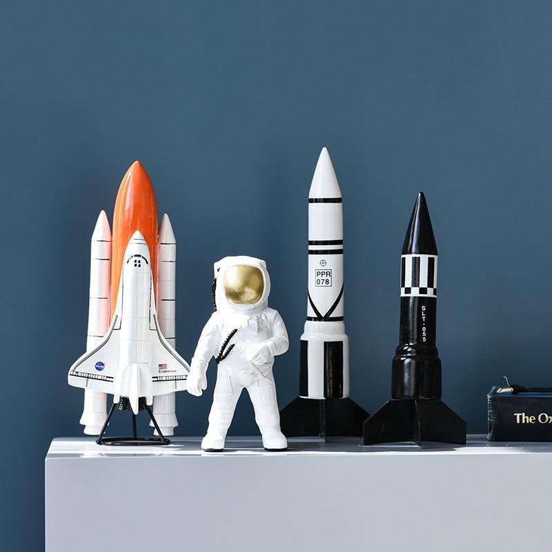 Modelo espacial de astronauta de resina moderno Simple, artesanía creativa de estudio, decoración del hogar, transbordador espacial, modelo de misiles, decoración de escritorio