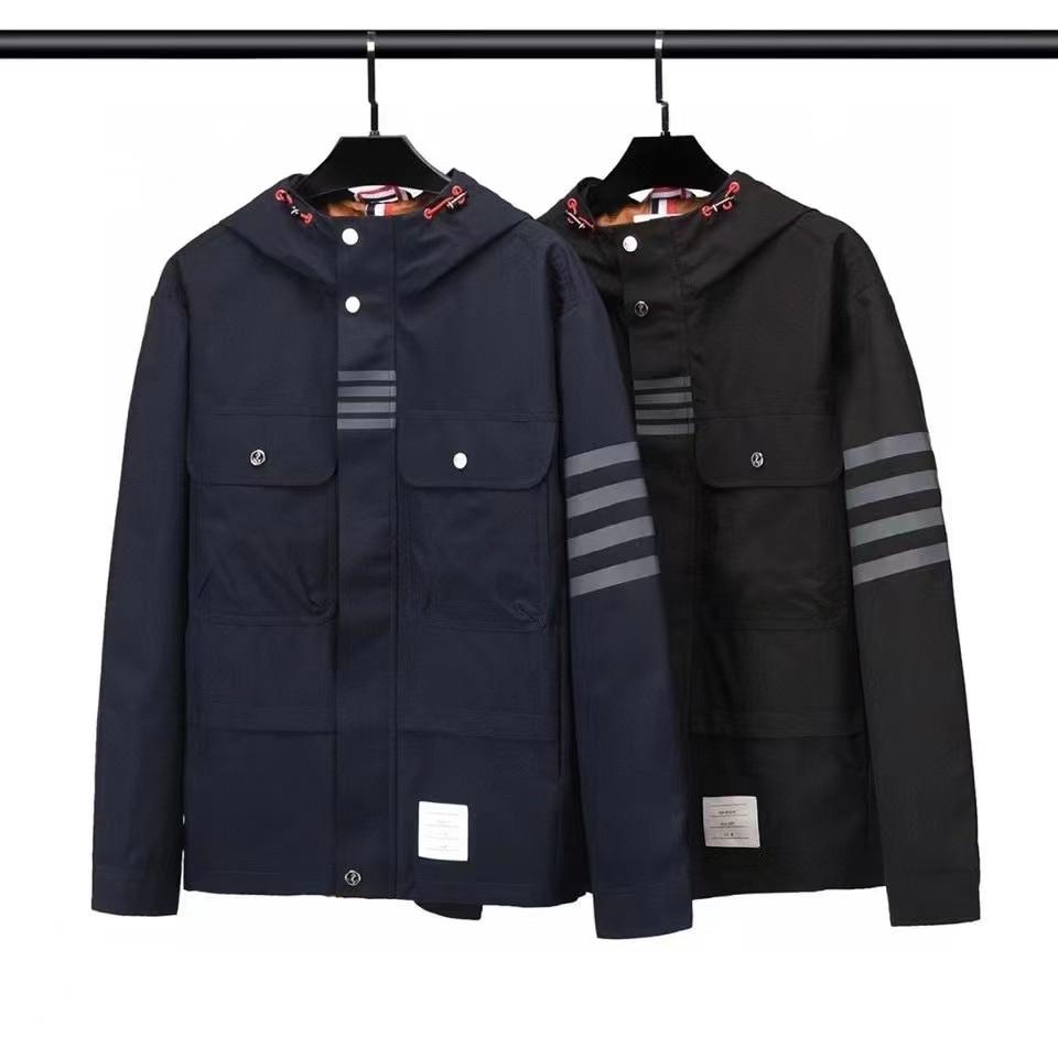 TB THOM الرجال سترة مقنعين يندبروف عادية مخطط طويل الأكمام معطف سستة جيوب الكورية تصميم موضة ملابس خارجية
