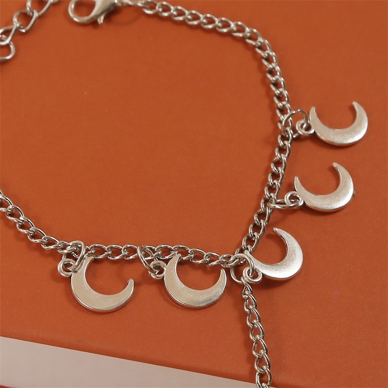 Women's Hand Bracelets Retro Bohemian Simple Moon Finger Chain Female Ins Trend Personality Long Exquisite Bracelet Jewelry