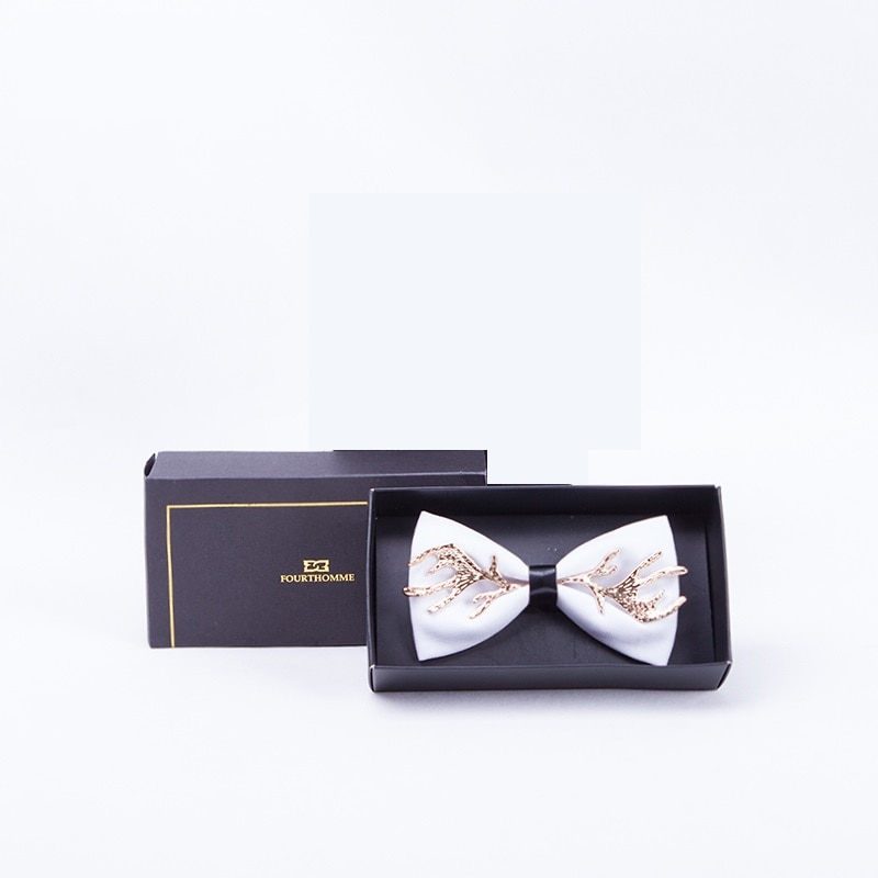 High Quality 2020 Men Bow Ties Metal 100% Zinc Alloy Elk Antlers PU Christmas Butterfly Designers Brand Wedding Bowtie White