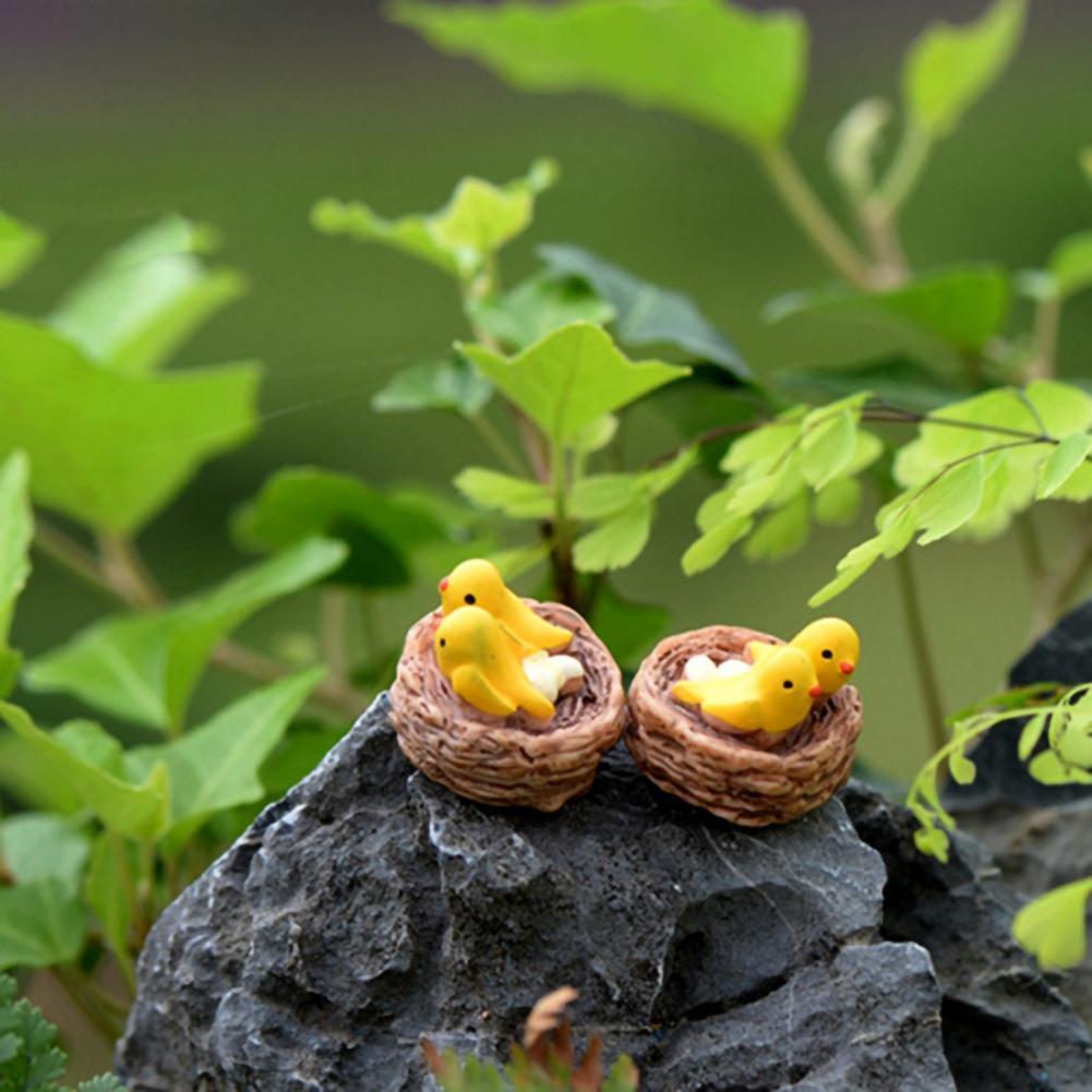 2Pcs Creative Bird Model Miniatures Oriole Decorative Resin Bird Nest Figurines Mini Garden Ornament for Decorating Landscape