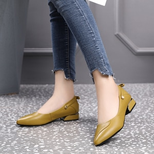 2021 Spring Summer New Designer Med Heels Shoes Women Large Size Pumps Brand Genuine Leather Ladies Luxury Fashion Party Shoes
