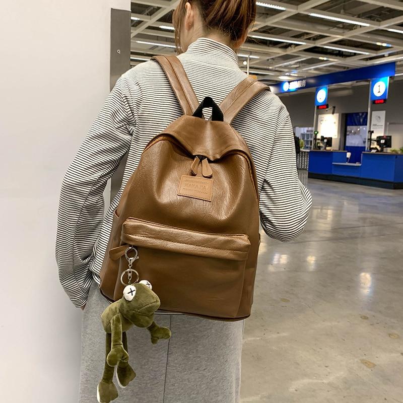 Hong Kong retro ladies bag 2021 new simple and versatile large capacity backpack fashion schoolbag m