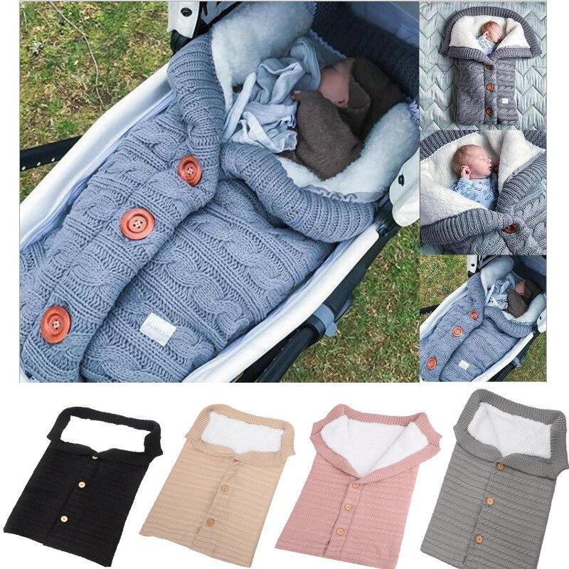2020 nouveau bouton sac de couchage bébé en plein air bébé poussette sac de couchage en laine tricot et velours épaississement pour garder au chaud