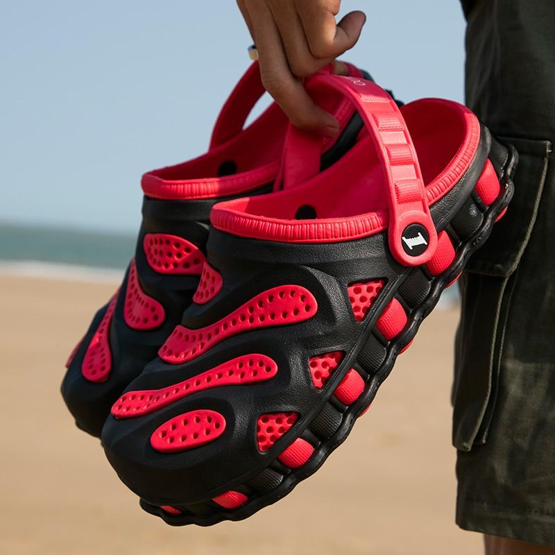 2020 Men Sandals Crocks Summer Hole Shoes Crok Rubber Clogs Men EVA Sole Garden Shoes Outdoor Crocse Beach Flat Sandals Slippers
