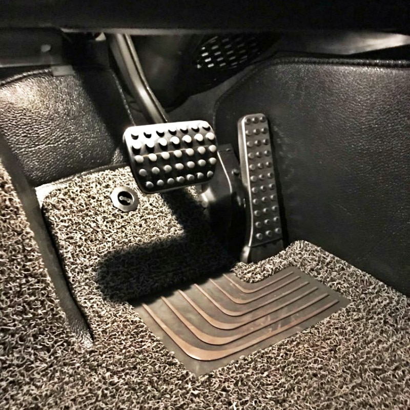 Stainless Steel Car Pedals for Mercede Benz Mercedes-Benz A B M ML CLA C E S GLK SLK CLS SLR-class  W203 W204 Brake Footrest Pad