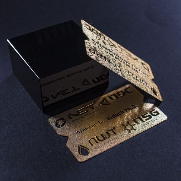 Stainless steel brushed business card hollow metal card plating gold card custom