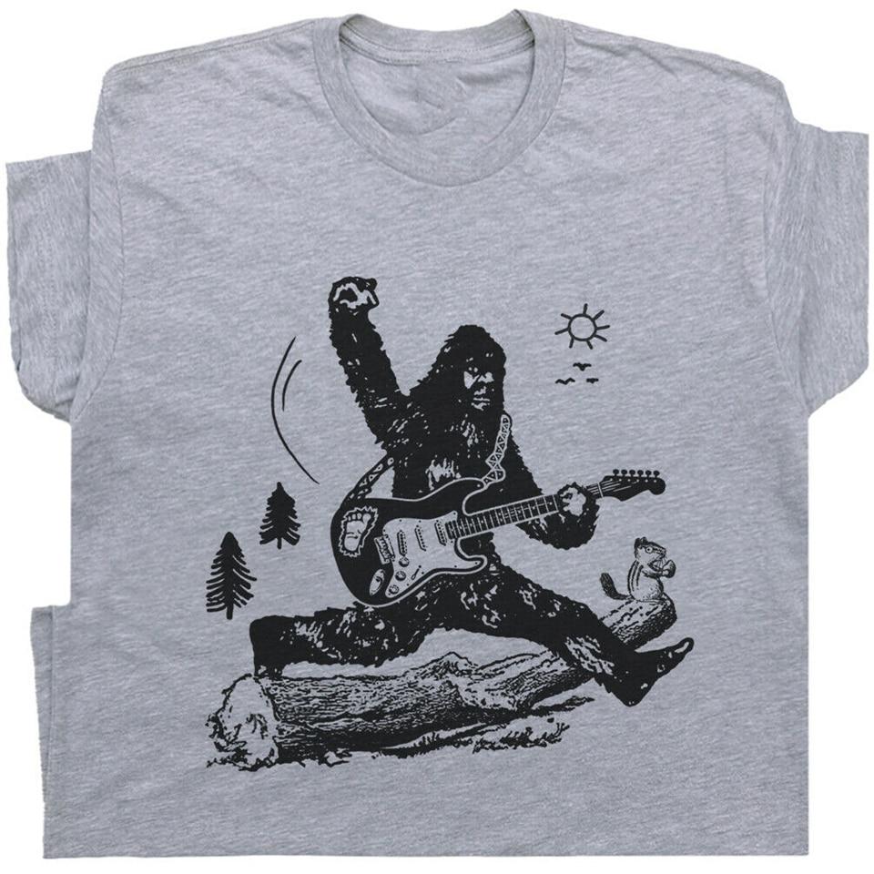 Camiseta de guitarra Bigfoot Jumping eléctrica para hombre gráfico Vintage Sasquatch Rock homme Tops de talla grande camiseta