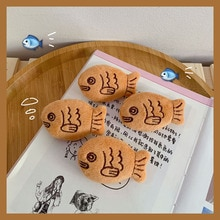 Cartoon cute snapper brooch plush small fish brooch backpack sweater corsage snapper brooch pins accessory gifts