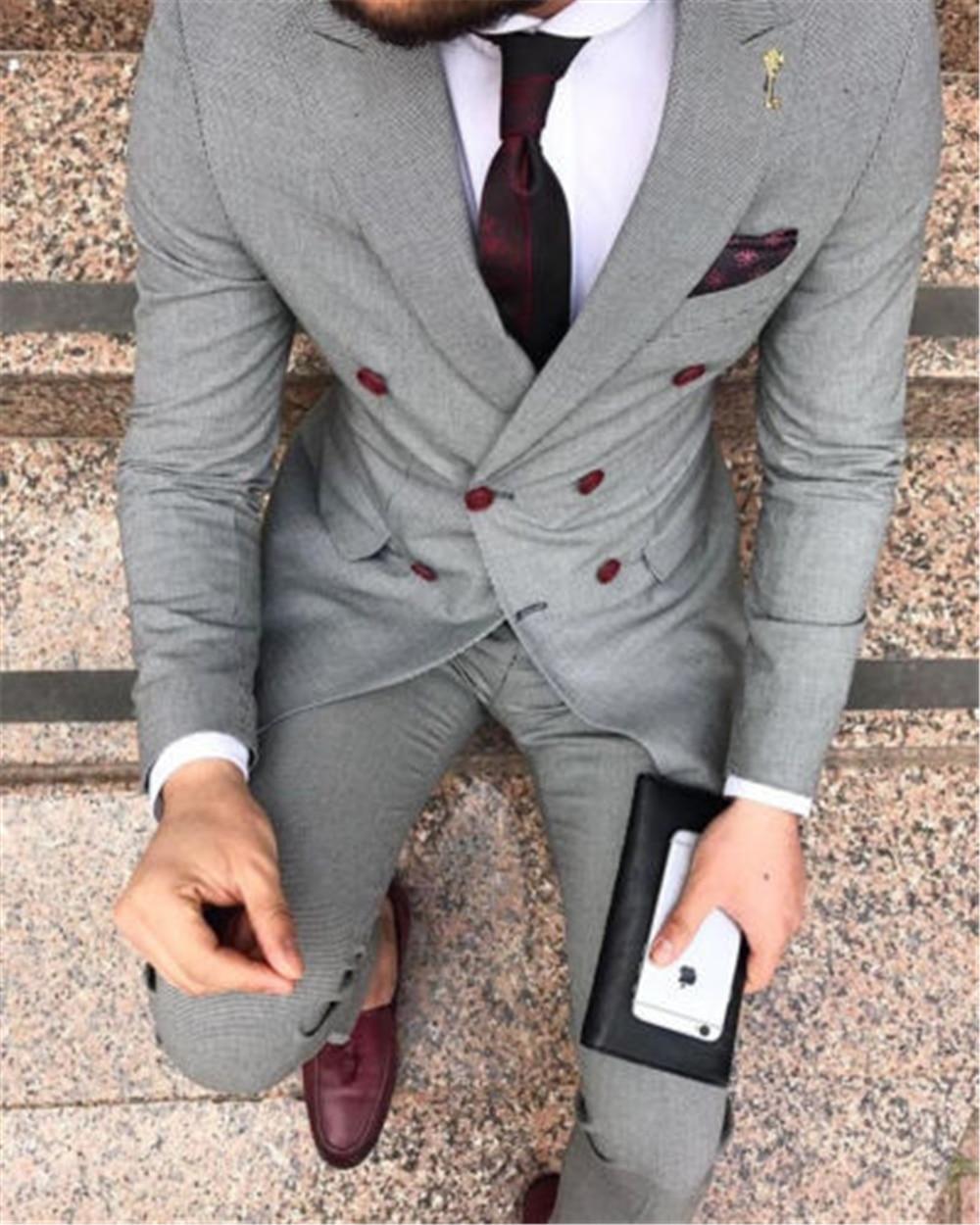 2021 مخصص رمادي رفقاء العريس البدلات الرسمية مزدوجة الصدر الرجال الدعاوى الزفاف أفضل رجل سترة السراويل 2 قطعة زي أوم