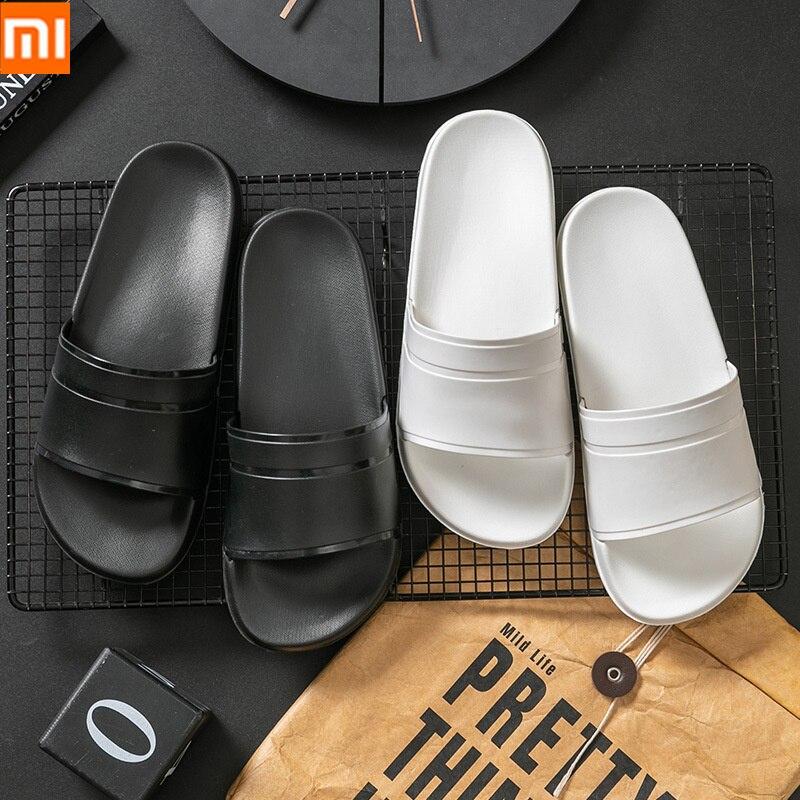 Zapatillas de verano para hombre Xiaomi, zapatillas informales en blanco y negro, sandalias antideslizantes de baño para mujer, Chanclas de suela suave, talla grande 47