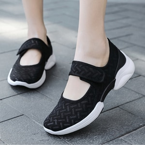 2021Mesh Spring Summer Women Shoes Breathable Trainers Ladies' Casual Shoes With Thick Soles Women Sneakers Mother shoes