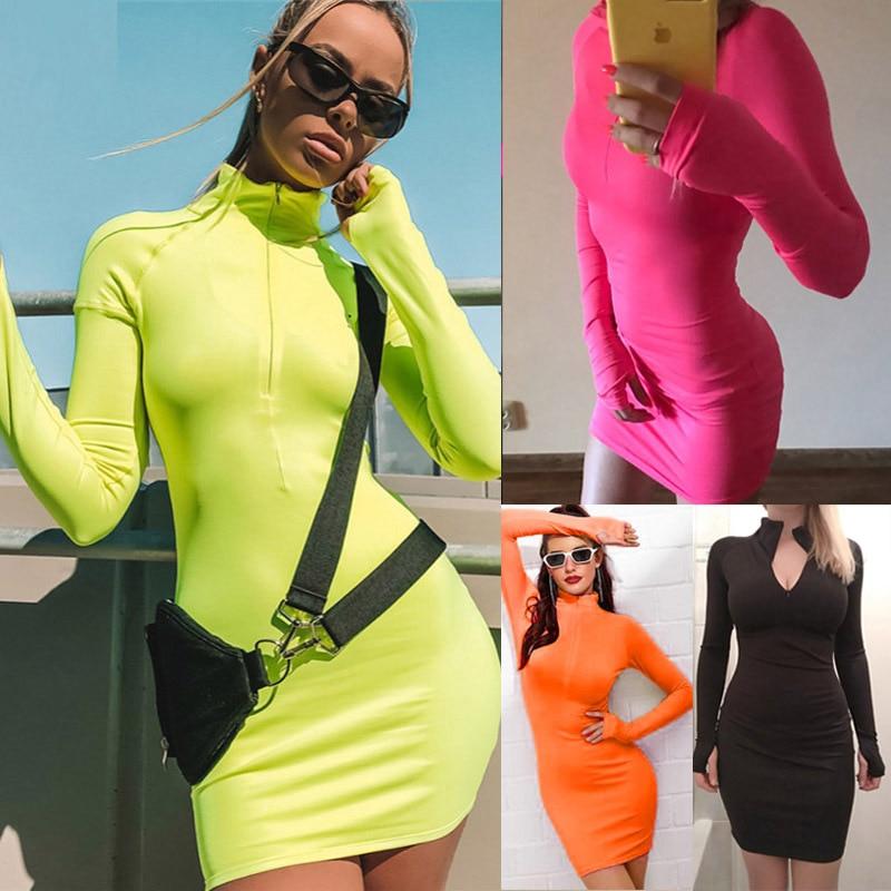 À lautomne 2020, le style chaud aliexpress vend des robes à manches courtes Sexy pour femmes et américaines avec col haut, sac et fesses