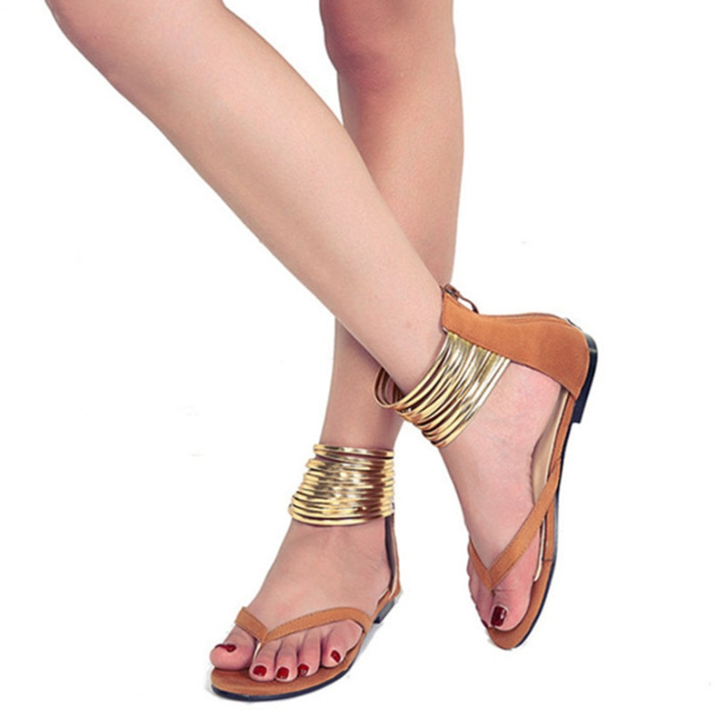 Sandalias de gladiador para mujer, marca de verano 2019, zapatos Aterciopelados, Sandalias planas para mujer, decoración metálica de estilo romano, zapatos con cremallera 35-43