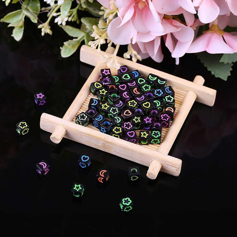 Nuevo estilo 100pcs6*6 cuadrado con cuentas hecho a mano accesorios DIY joyería accesorios gran agujero estrella y Luna amor tallado cuentas