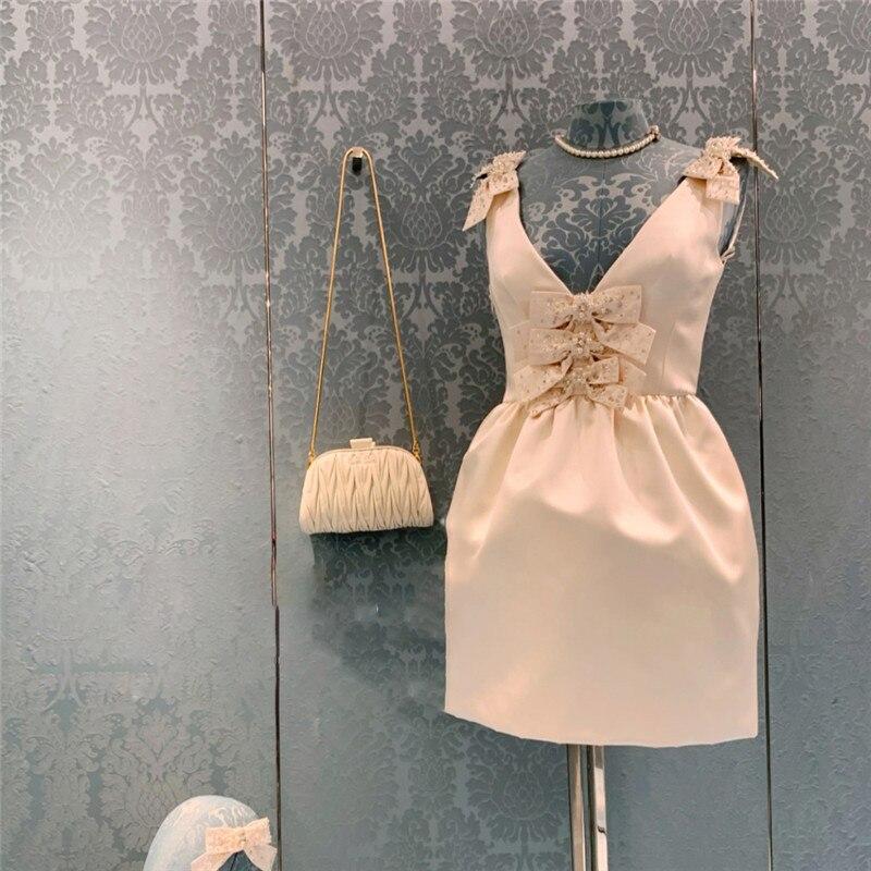 ميو 2021 صيف جديد سوسبندر فستان الماس القوس بلا أكمام أنيقة فستان جنية أبيض الإناث