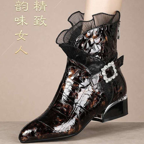 المرأة الخريف الشتاء نمط جديد براءات الاختراع والجلود أحذية بوت قصيرة كعب سميك متوسطة أنبوب أحذية بوت قصيرة وأشار الحرارية الأحذية الكبيرة