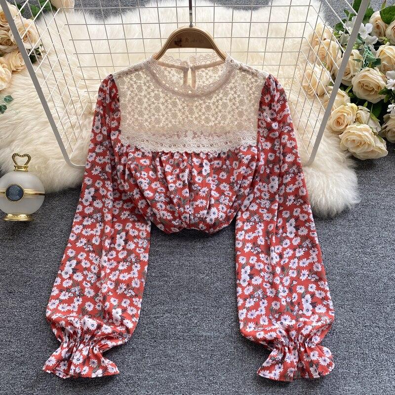 Женская блузка с длинными рукавами и цветочным принтом