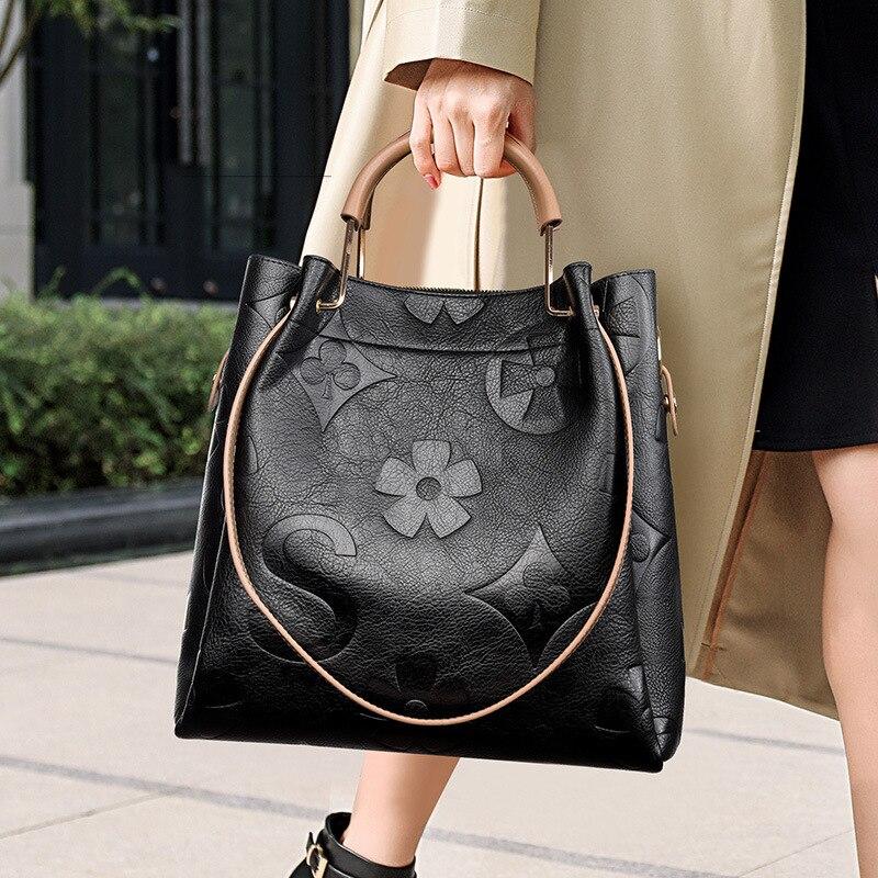 100% جلد طبيعي كلاسيكي حمل حقيبة 2021 موضة جديدة للمرأة واحدة في الكتف حقيبة ساعي مصمم الشهيرة محافظ وحقائب اليد