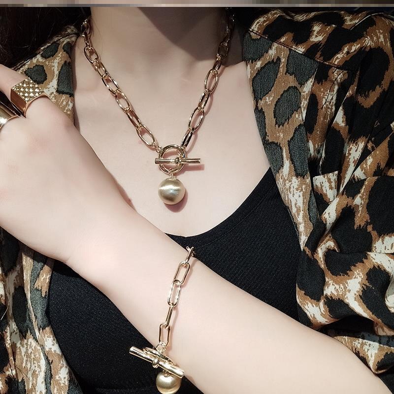 Aensoa gótico ouro cor bola pingente gargantilha colar para o casamento feminino punk grande grânulo longo corrente colares de jóias de afirmação