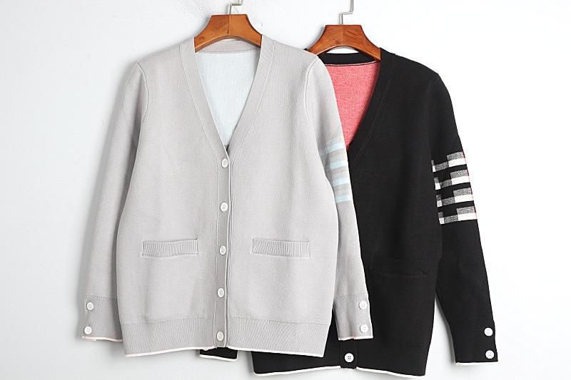 1101 2020 осенний свитер Бесплатная доставка с v-вырезом и длинным рукавом, вязаная черного и серого цвета; Модная женская одежда, размер S m L dl