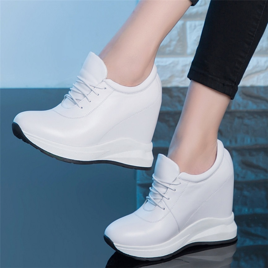 Кеды женские из натуральной кожи, ботильоны на танкетке, круглый носок, повседневная обувь на платформе, для прогулок
