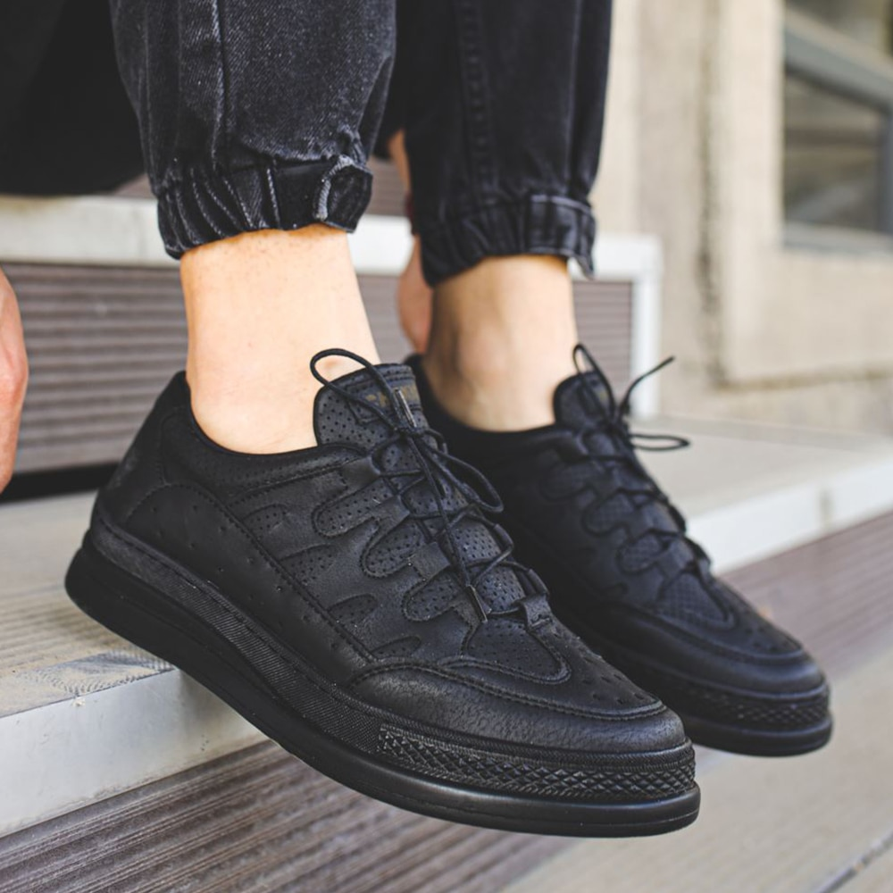 2021 men's casual shoes all black leather lace-up sneakers fashionable men's vulcanized shoes
