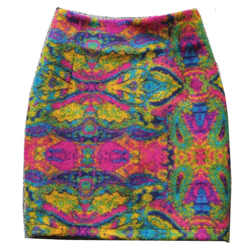 2021 الخريف الشتاء جديد الصوفية تنورة صغيرة النساء عالية الخصر خطوة حزمة الورك تنورة مطبوعة